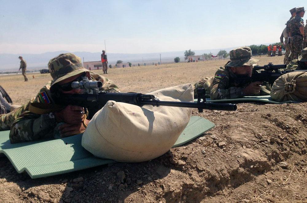 Azerbaijani DM talks alleged sniper fire from Armenian side