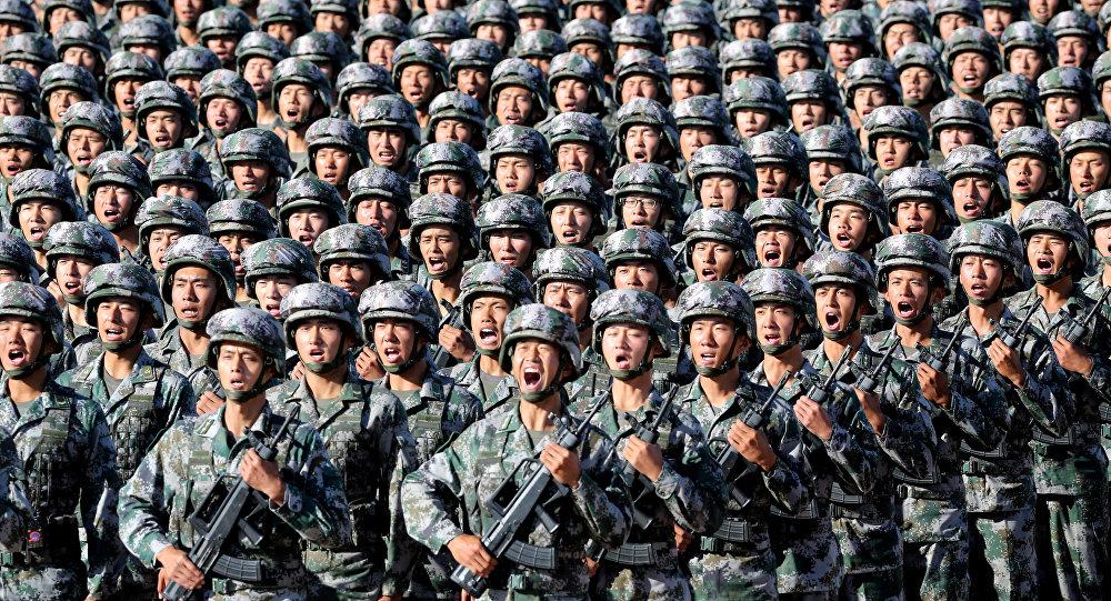 Çində generallar kütləvi şəkildə istefaya göndərildi