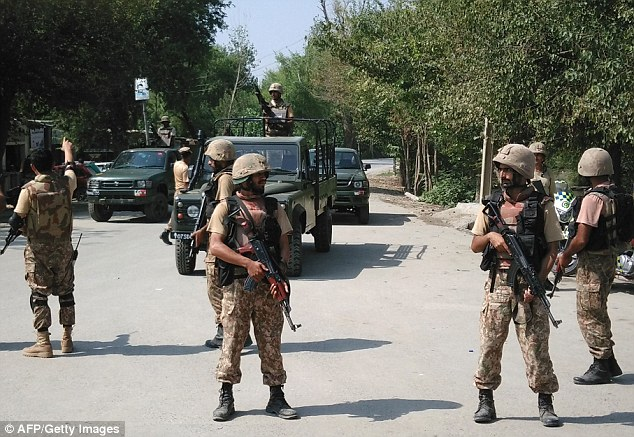 Pakistan doing 'bare minimum' to contain Taliban