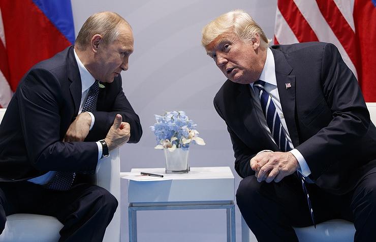 Трамп подмигнул Путину - Видео