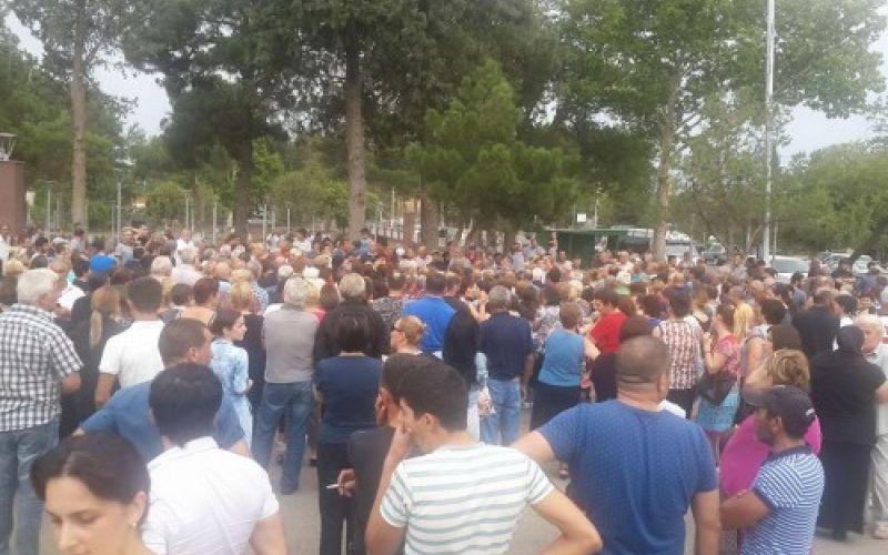 Gürcüstanda azərbaycanlılar ayağa qalxdı