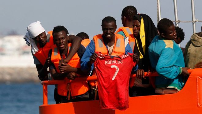 Migrant crisis: Spain rescues 600 people