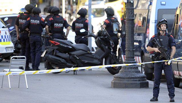 Barselonada iğtişaş: Polis daşa basıldı
