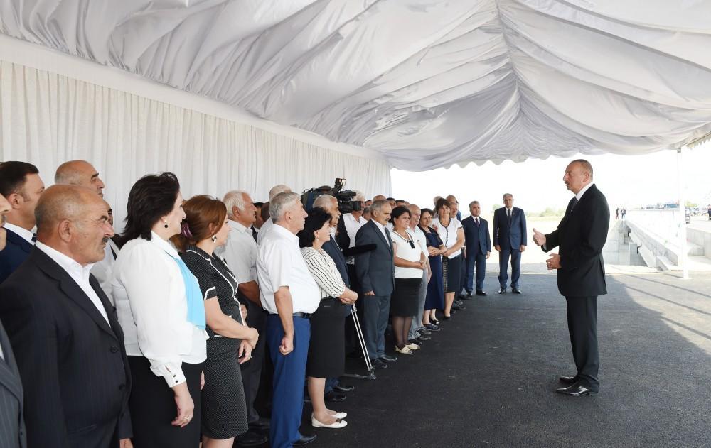 "Проект ""Сорок дорог"" для сотен сел - Ильхам Алиев"
