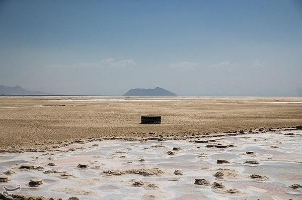 """دریاچه اورمیه قربانی"""" اوج بی کفایتی""""مسولان و سکوت مردم"""