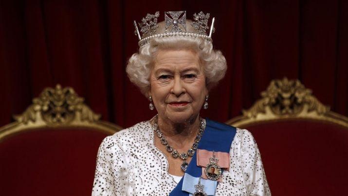 Королева Елизавета II поздравила Ильхама Алиева