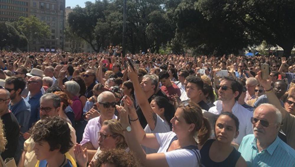 Madriddə etiraz başladı: Terrorizmə qarşı...