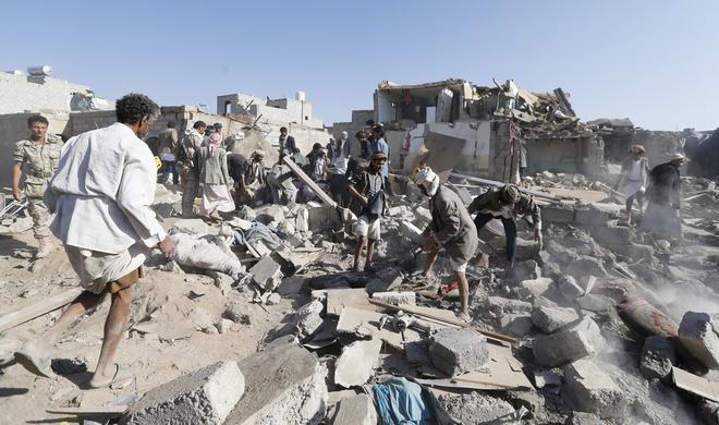Saudi airstrikes kill dozens in Yemen