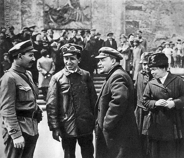 Почему Ленина запломбировали в вагоне