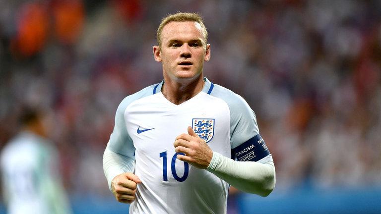 Руни закончил карьеру в сборной Англии