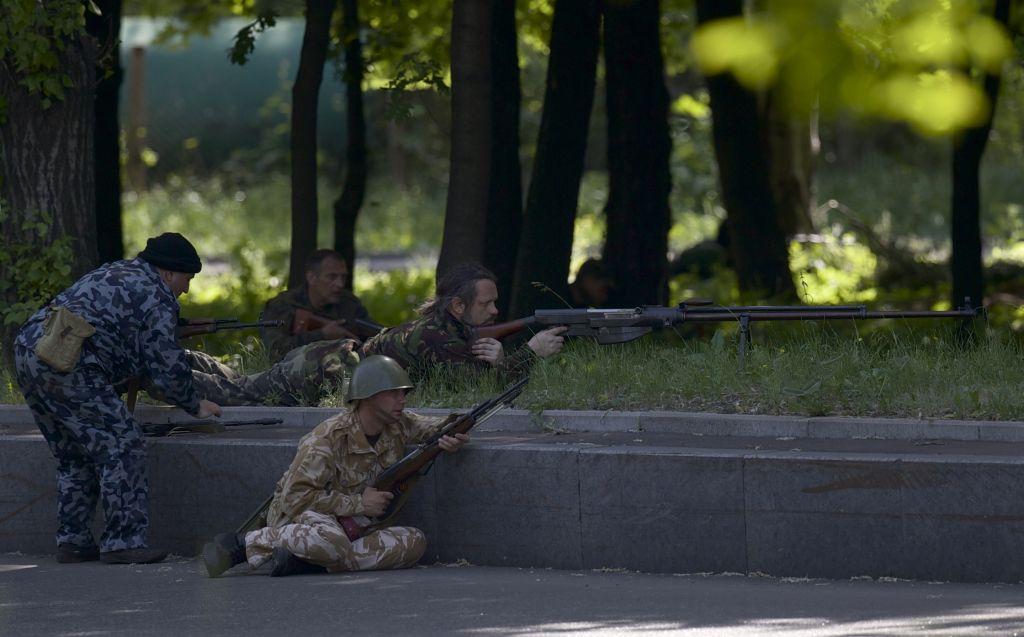 Ukrayna Donetskdə separatçıları vurdu