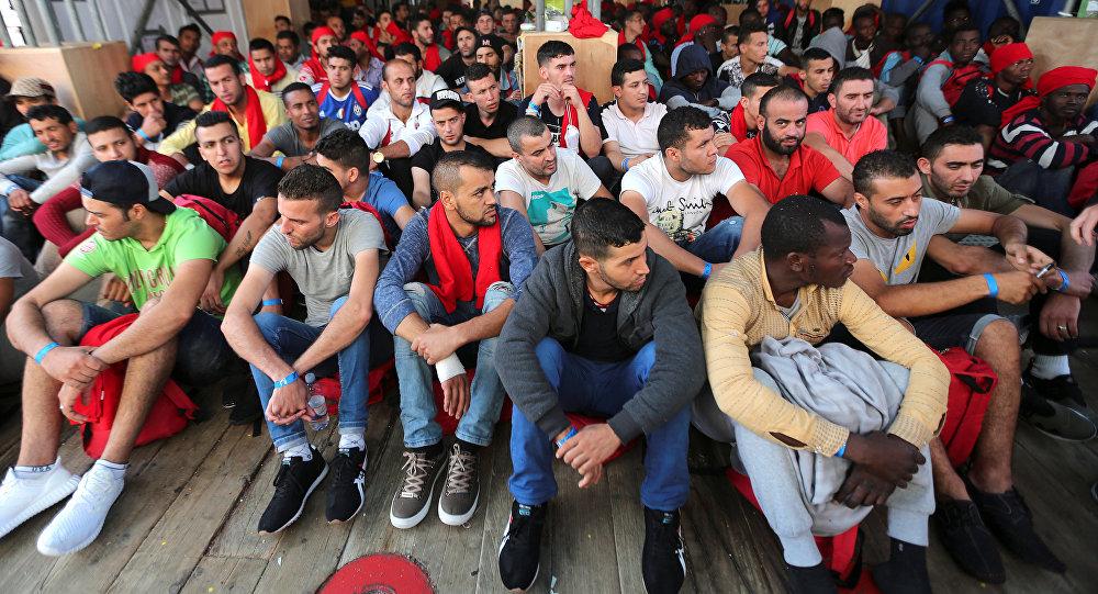 Caravan of migrants in Mexico starts moving towards U.S.