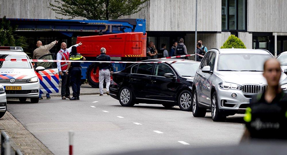 Hollandiyada hava limanında bir nəfər vuruldu
