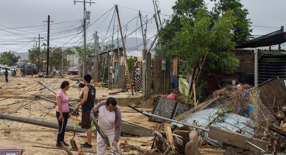 Число жертв землетрясений в Мексике достигло 305