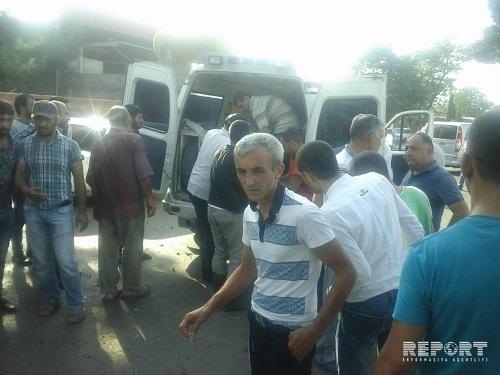 Bakıda avtobus yük maşınına çırpıldı: 10-dan çox yaralı
