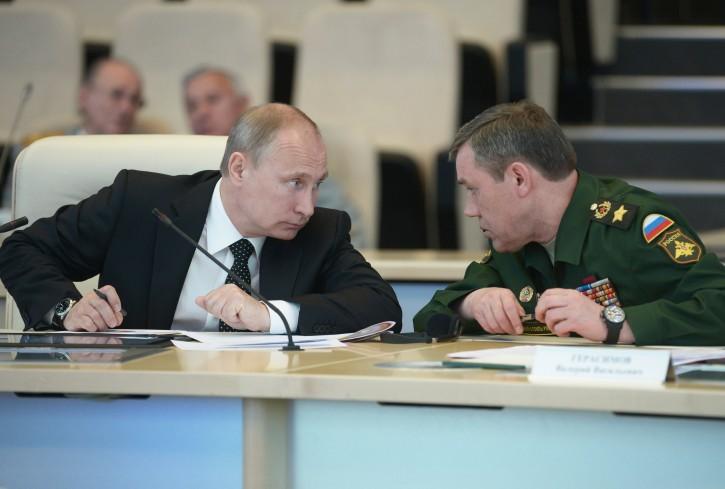 Putin Bakıdan qayıdan generalı təcili görüşə çağırdı