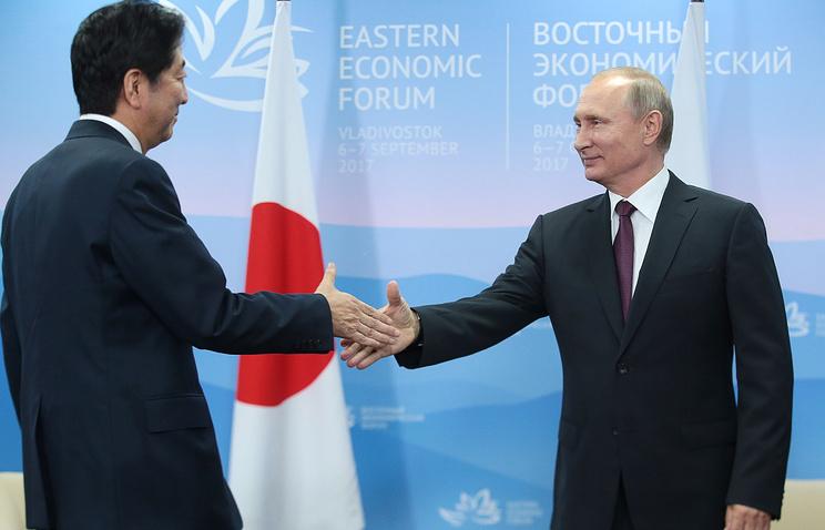 Абэ пообещал заключить мирный договор с Россией