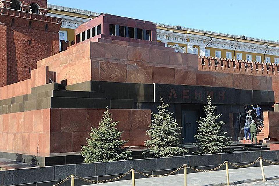 ABŞ rəssamı Leninin cəsədi üçün 1 milyon dollar təklif etdi