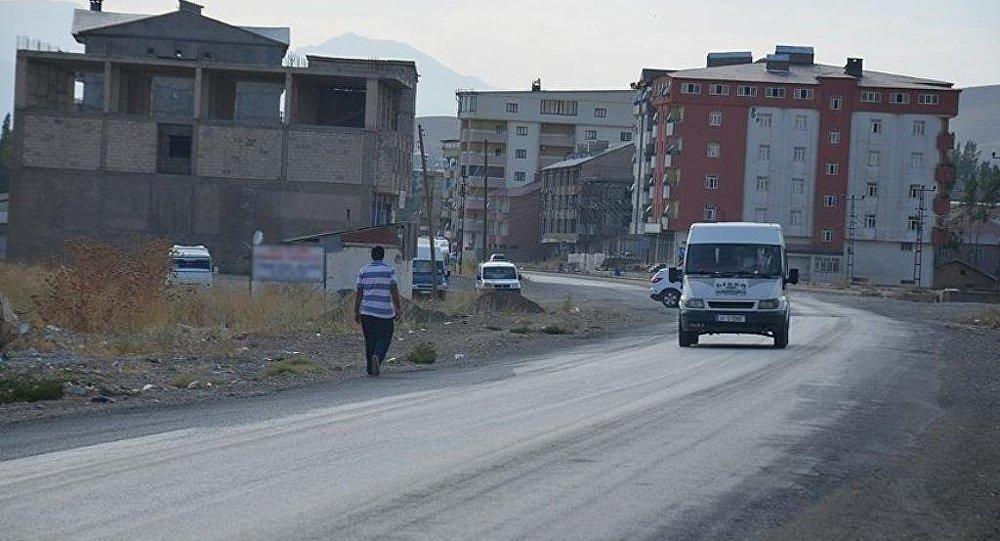 Türkiyədə hərbi hissəyə gedən maşın partladıldı - Terakt