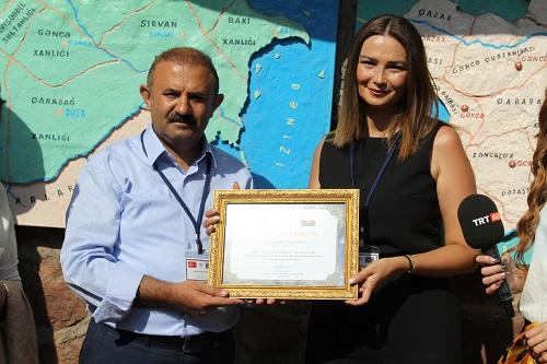 Qənirə Paşayeva daha bir mükafat aldı - Foto
