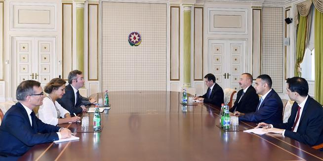 Ильхам Алиев принял госсекретаря МИД Франции