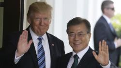 Leaders of South Korea and US discuss Pyongyang over phone