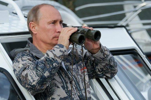 Путин посетит военные учения