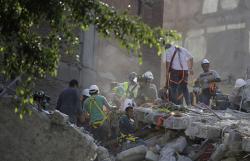 Meksika faciəsi - məktəb dağıldı: 30 nəfər öldü