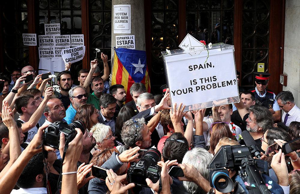 Kataloniyada Madridə qarşı böyük etiraz başlandı