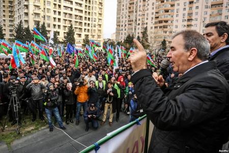 Milli Şura planını deşifrə etdi: Vətəndaş ac qalsın...