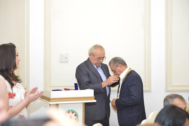 """""""Mahmud Kaşğarlı"""" mükafatı təqdim edildi - Foto"""