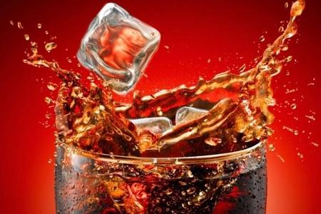 1,5 litr koka-kola içən gənc öldü