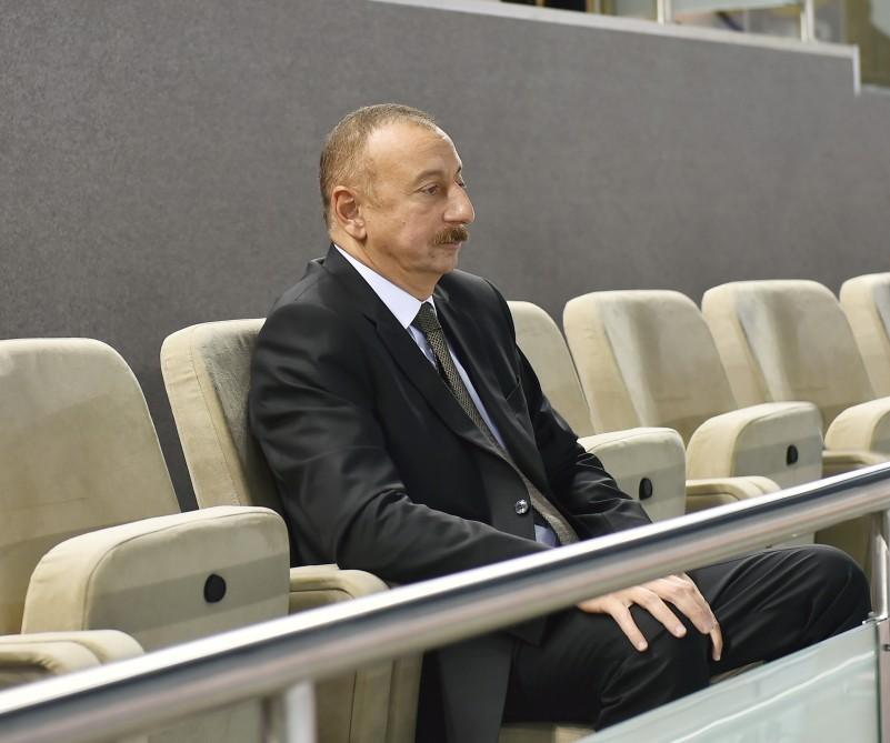 Президент на игре женской сборной - Фото