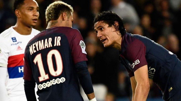 Neymar bans Edinson Cavani