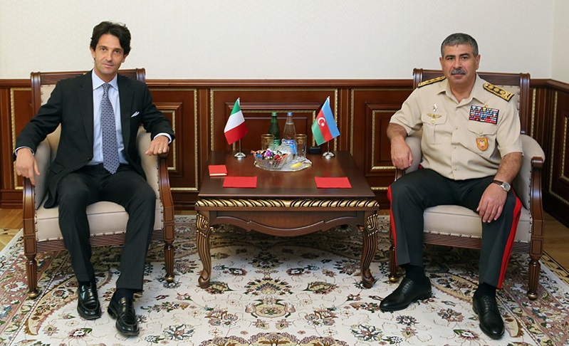 Azerbaijan's Defense Minister meets Italian Ambassador
