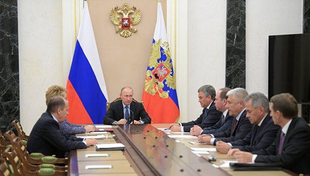 Путин обсудил с Совбезом Сирию