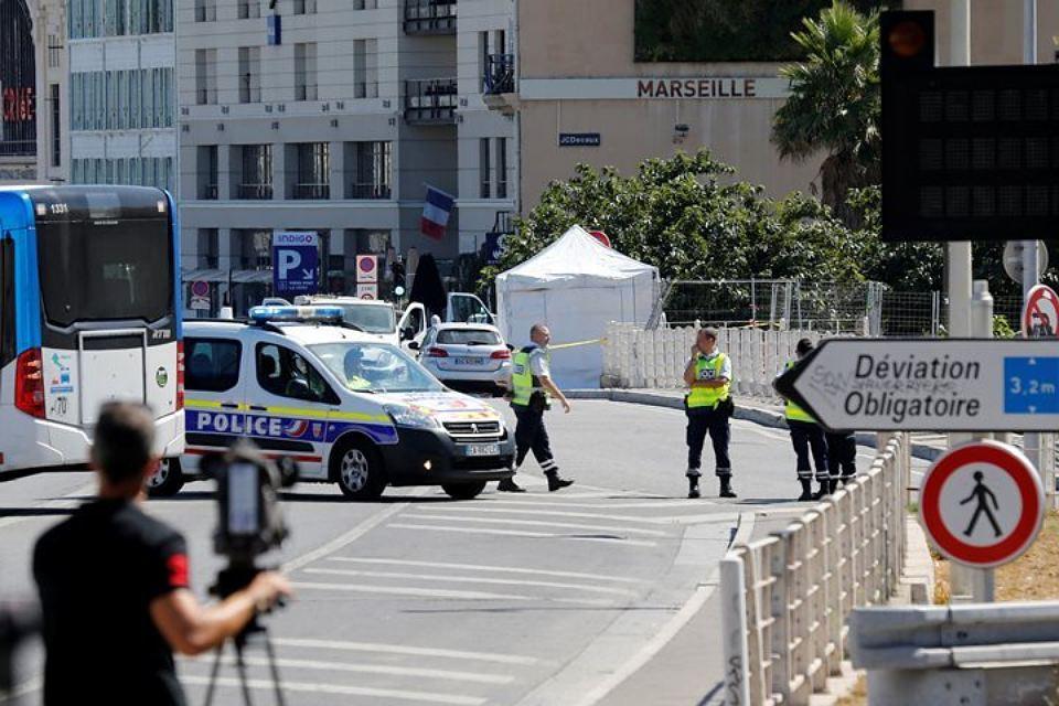"""Fransada silahlı insident: """"Kalaşnikov""""la hücuma keçdilər"""