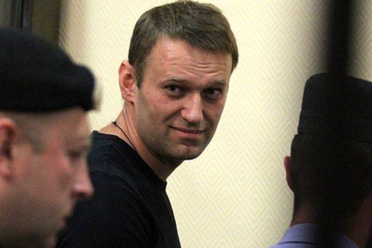Navalnı azadlığa buraxıldı