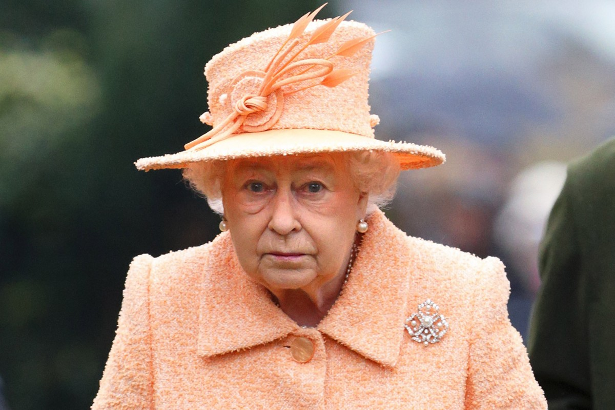 Queen seen in public for first time since lockdown