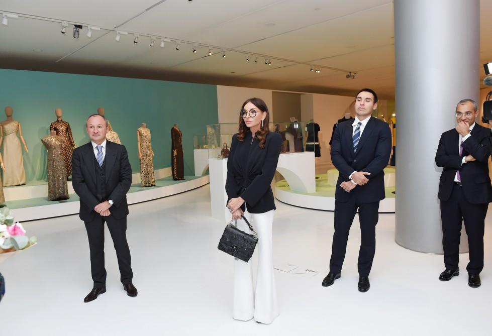 """Mehriban Əliyeva """"Modernizm və moda"""" sərgisində - Foto"""