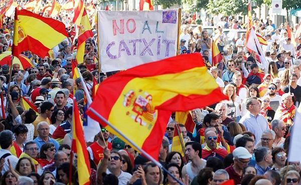 Barcelona hit by fresh clashes amid general strike