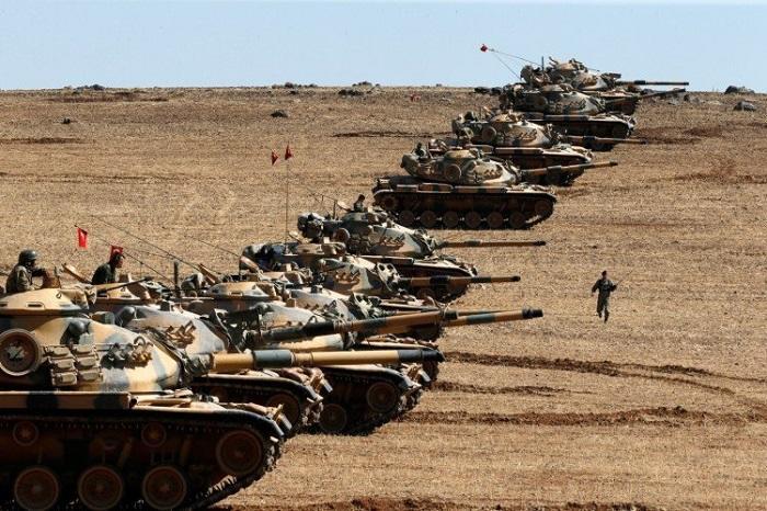 Турция перебросила еще 10 танков к сирийской границе
