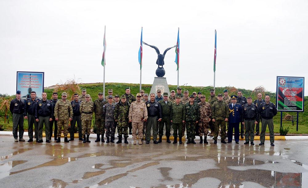 Военные атташе зарубежных стран посетили базу ВВС