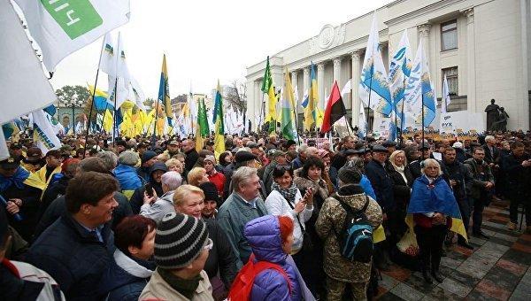 В Киеве захвачен правительственный квартал