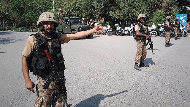 При взрыве в Пакистане погибли 6 полицейских