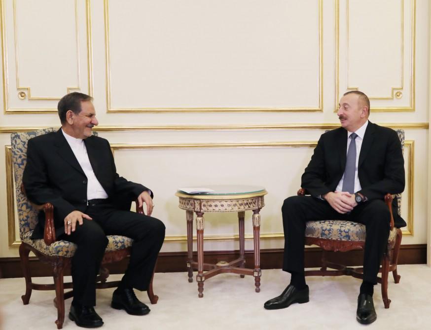 Ильхам Алиев на переговорах с Джахангири - Фото