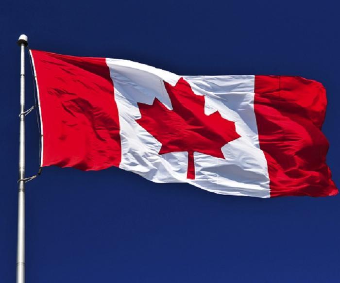 Неизвестные в масках атаковали посольство Канады