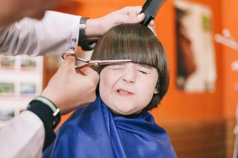 Uşağı keçəl etmək saçını gurlaşdırırmı? – Həkim