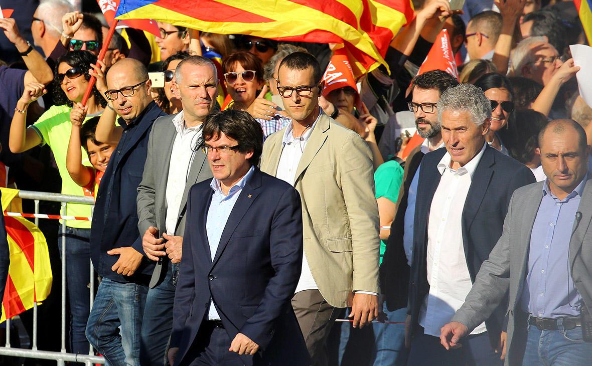 На митинг в Барселоне вышли около 450 тысяч человек
