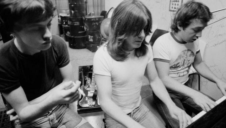 Скончался продюсер AC/DC